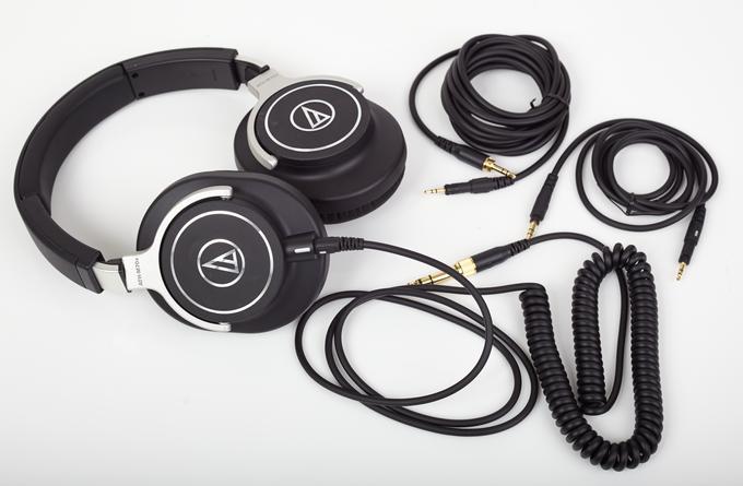 Gleich drei Kabel zur Auswahl: Der ATH-M70x ist für alle Eventualitäten gerüstet.