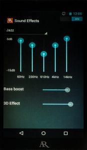 """Digital Audio Player von Acoustic Research Modell AR-M2. An Audioeinstellungoptionen bringt der AR-M2 einen 5-Band-Equalizer sowie Bassboost und die """"3D Effect""""-Funktion mit."""
