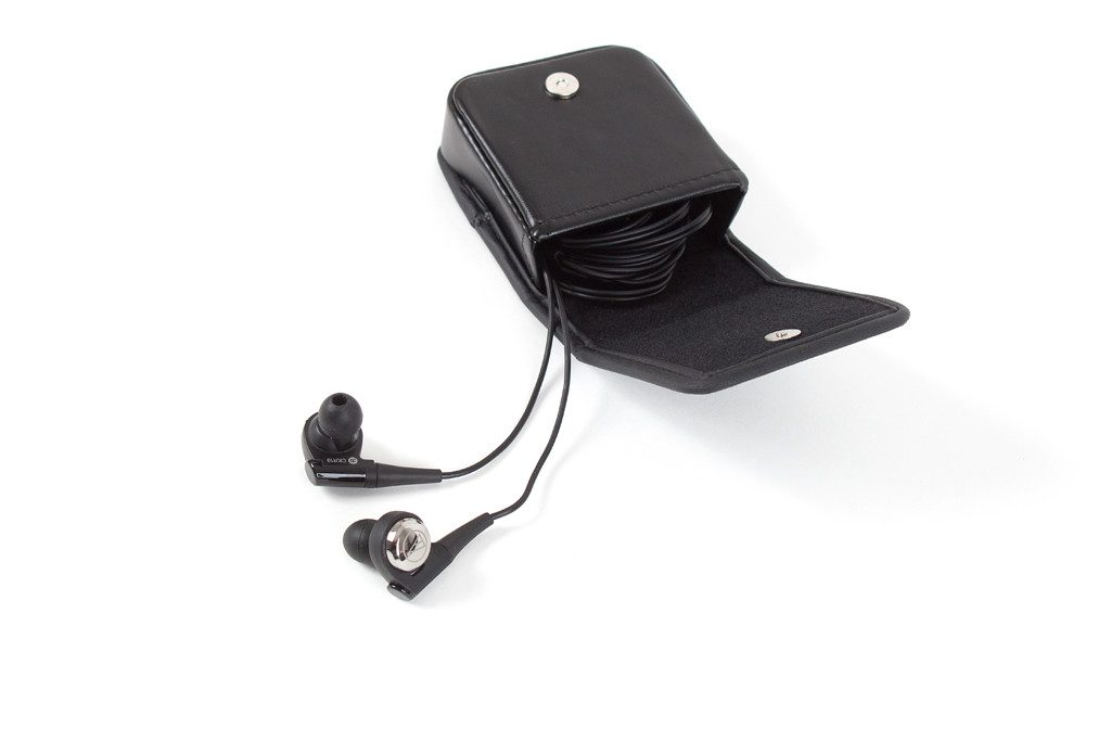Kopfhörer von Audio-Technica Modell ATH-CKR10 kommt mit praktischer Transporttasche