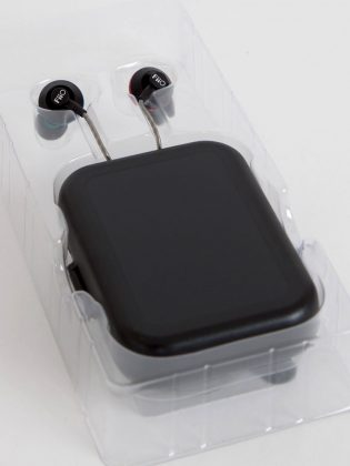 Die FiiO EX1 Ohrhörer sind farbig voneinander unterschieden.