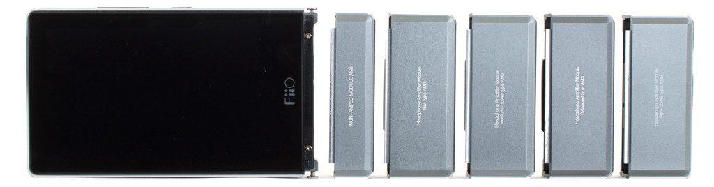 Digital Audio Player von FiiO Modell X7. Die Kopfhörerverstärker Module im Größenvergleich.