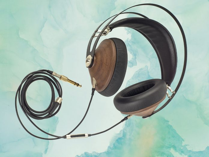 Kopfhörer von Meze Modell 99 Classics.