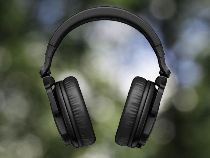 Der Pioneer DJ HRM-5 in der Frontansicht.