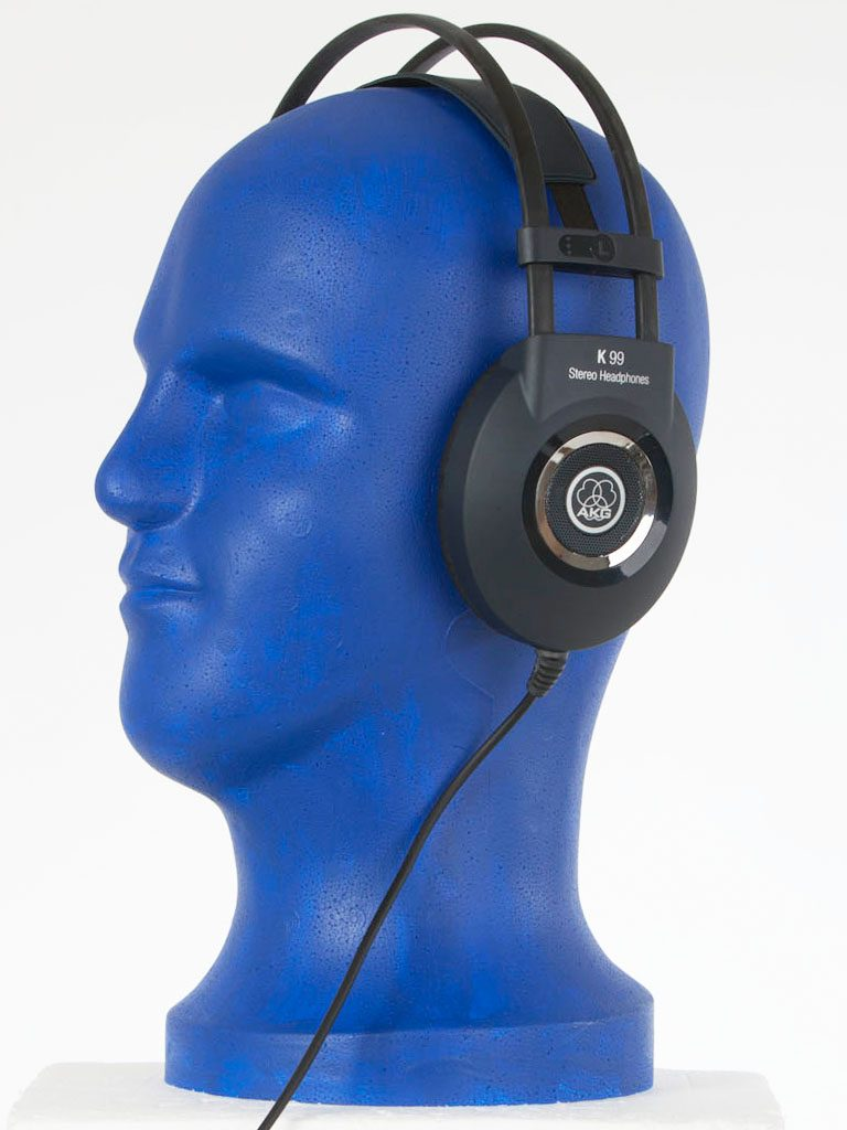 Der AKG K99 Perception Over Ear Kopfhörer.