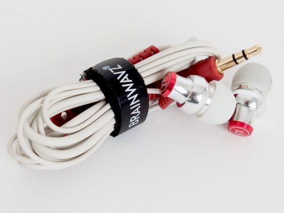 Das flexibel-biegbare und glatt-gummierte 130 cm-Kupfer-Kabel.