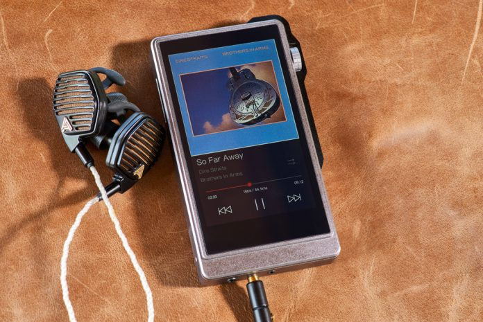 Digital Audio Player iBasso DX200.