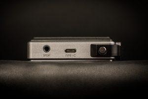 Digital Audio Player von iBasso Modell DX200. Die Ladezeiten verkürzen sich durch den USB-C-Anschluss merkbar.