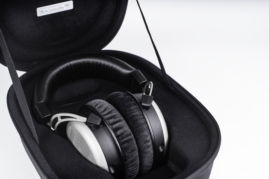 Beyerdynamic T1_Case