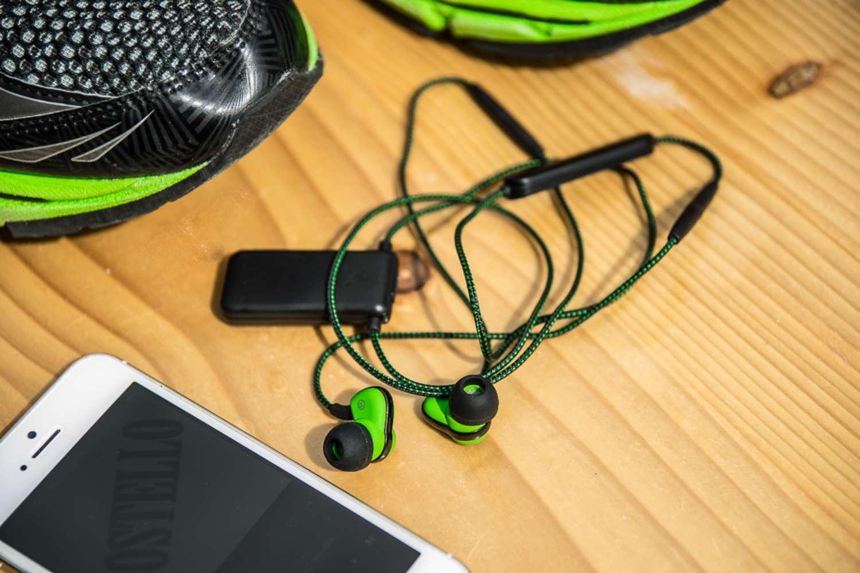 sport in ear kopfh rer soundmagic st30 test. Black Bedroom Furniture Sets. Home Design Ideas