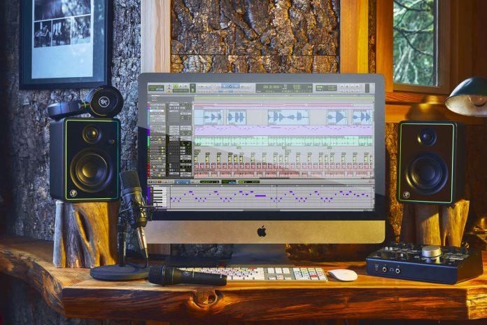 Mackie CR-X_Home_Studio_1500x1000
