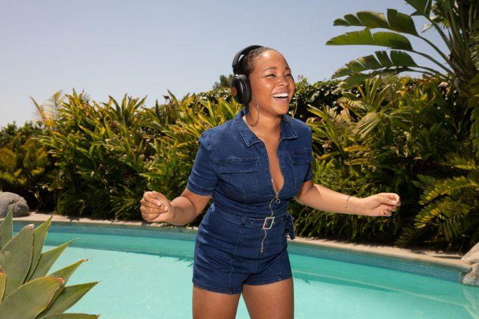 THE HOUSE OF MARLEY Lifestyle_PVXL_Poolside