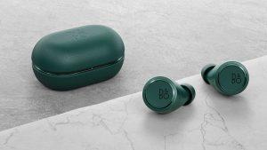 BOLD_Bang&Olufsen_Beoplay E8 3.0_Green_350€_2_1500x843