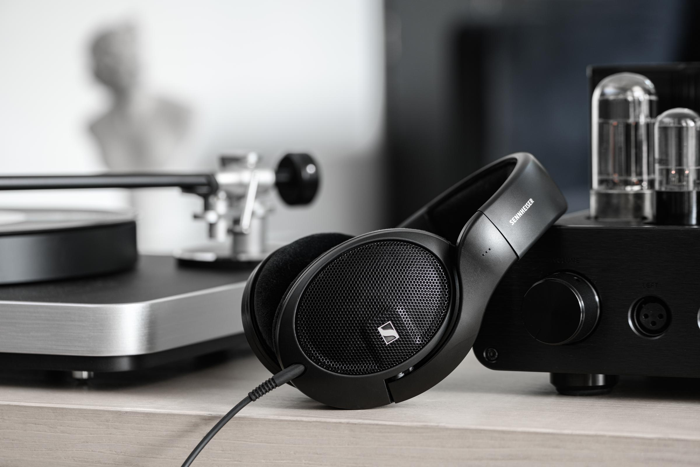 Offener Over-Ear-Kopfhörer Sennheiser HD 560S für anspruchsvolles Musikhören vorgestellt