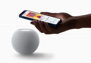 Apple HomePod mini white-iphone-pairing_10132020