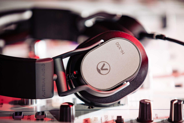 Austrian Audio Hi-X50 DJ_Szene_Print-25-scaled_1500x1000